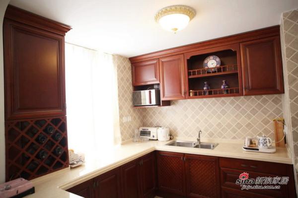 干净淡雅的厨房设备