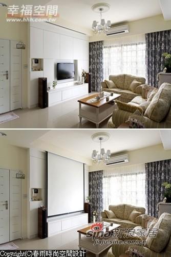 简洁线条的电视柜内有超大收纳容量