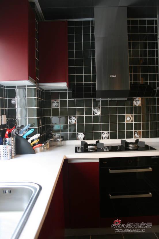 简约 三居 厨房图片来自佰辰生活装饰在106平现代简约温馨三口之家28的分享