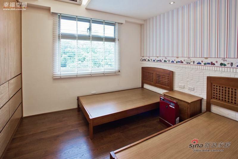 简约 四居 卧室图片来自幸福空间在198平原木简约自然风61的分享