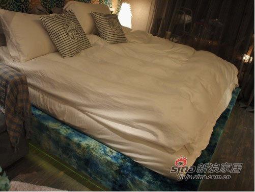 床垫的柔软依靠独立弹簧和记忆海绵~