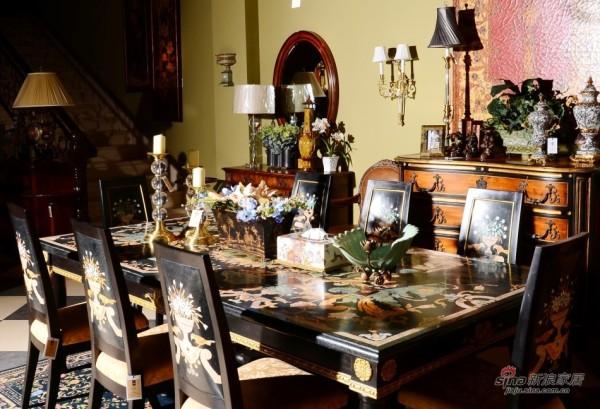 火山石与宝石拼花餐桌