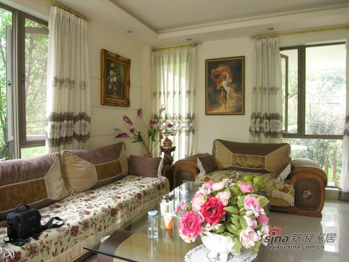 欧式 三居 客厅图片来自用户2746869241在90平简欧新居3万搞定19的分享