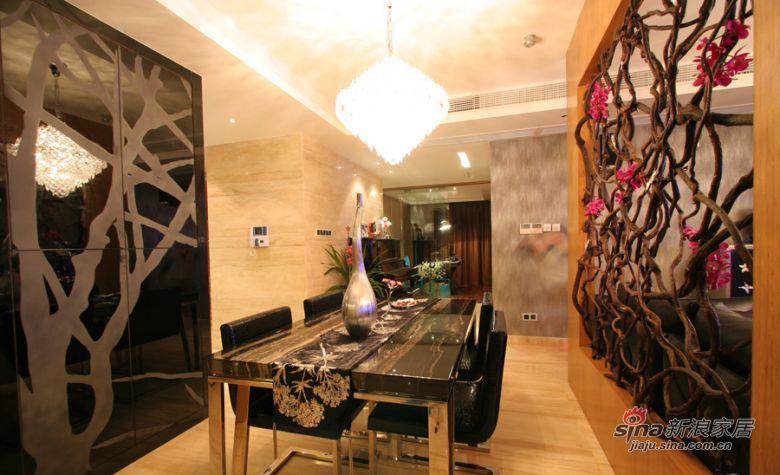 现代 三居 餐厅图片来自装修微日记在【高清】114平古朴典雅现代3居室64的分享
