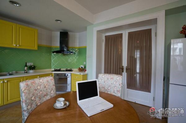 简约 二居 厨房图片来自用户2738813661在西街花园95㎡田园范儿2居17的分享