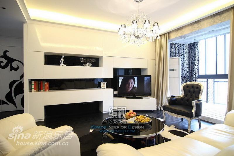 简约 一居 客厅图片来自用户2745807237在黑白灰的地杰国际城61的分享