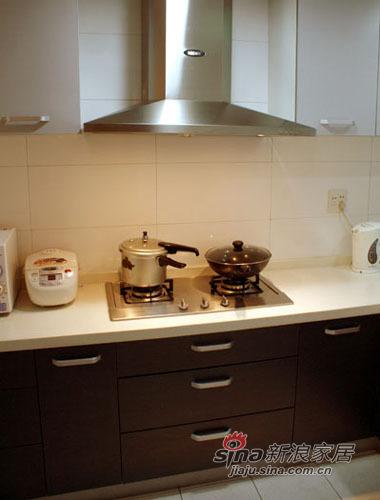 简约 一居 厨房图片来自用户2745807237在65平的一室一厅50的分享