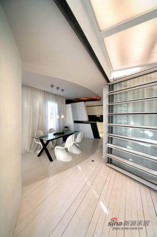 简约 二居 餐厅图片来自用户2739378857在15平米马德里阁楼奢华体验57的分享