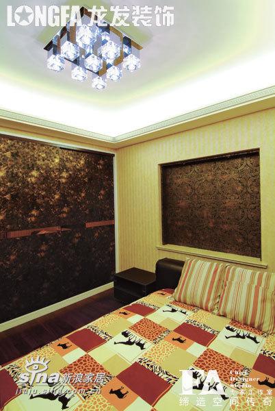 简约 三居 卧室图片来自用户2745807237在三居简约欧式样板间51的分享
