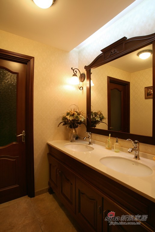 简约 三居 卫生间图片来自用户2559456651在13万装低调奢华146㎡三居75的分享