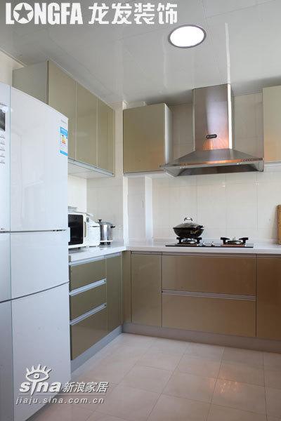 简约 三居 厨房图片来自用户2739378857在艺术空间--实景案例88的分享