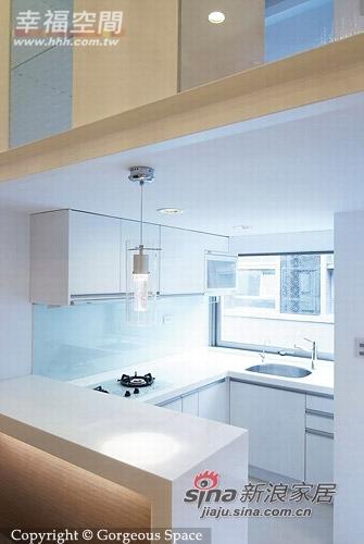 简约 一居 厨房图片来自幸福空间在69平挑高空间的白色简约77的分享