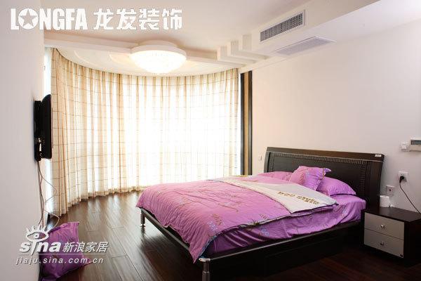 简约 三居 卧室图片来自用户2737759857在心意广场56的分享