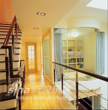 简约 别墅 客厅图片来自用户2737735823在简洁素雅妆扮温馨别墅44的分享