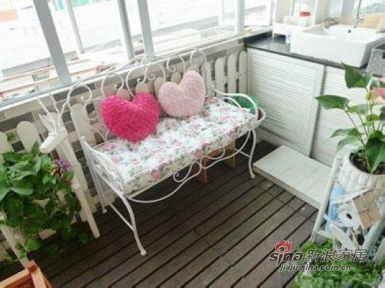 田园 二居 阳台图片来自用户2737791853在失恋不伤心80后剩女翻新屋37的分享
