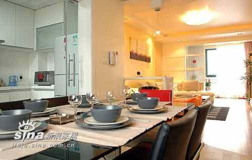 简约 二居 餐厅图片来自用户2737782783在木质与黑白完美交织73的分享