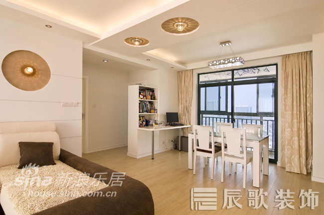 简约 二居 客厅图片来自用户2739378857在圣鑫苑 简约、低调、实用的设计10的分享