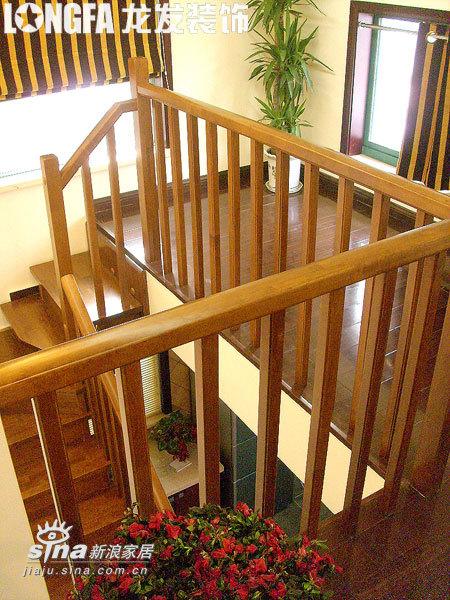 欧式 跃层 楼梯图片来自用户2745758987在简欧风格之经典跃层95的分享
