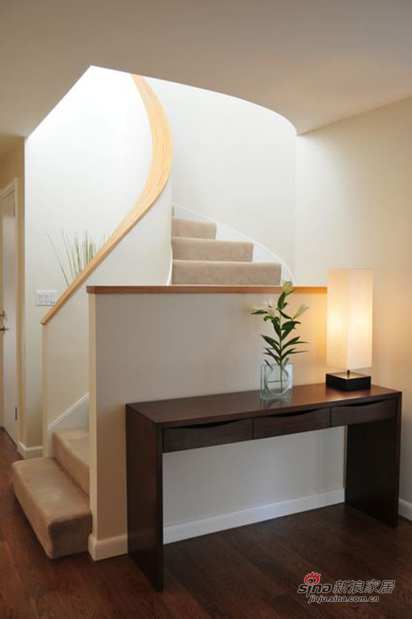 简约 复式 客厅图片来自用户2738845145在充满好莱坞魅力曼哈顿公寓74的分享
