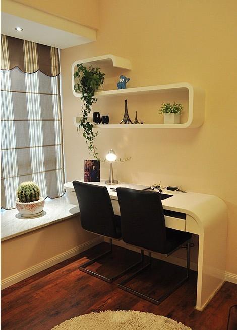 很清新的小卧室,双人写字台!
