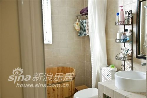 简约 二居 卫生间图片来自用户2738845145在4万打造88平米婚房65的分享