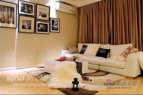 简约 二居 客厅图片来自用户2737735823在98平米靓丽优雅气质的简约乐活家95的分享