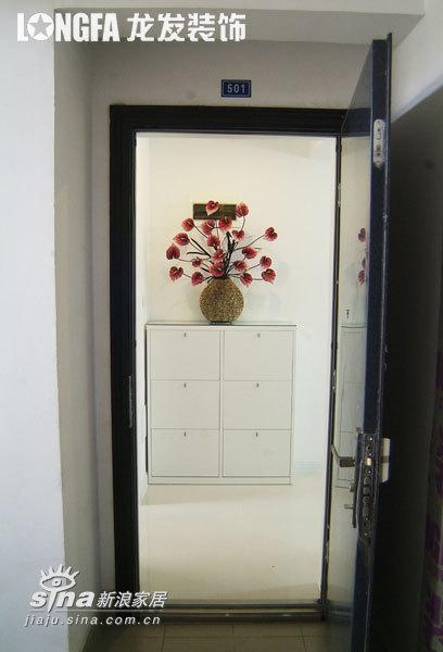 简约 二居 玄关图片来自用户2739081033在各空间皇家设计家园78的分享