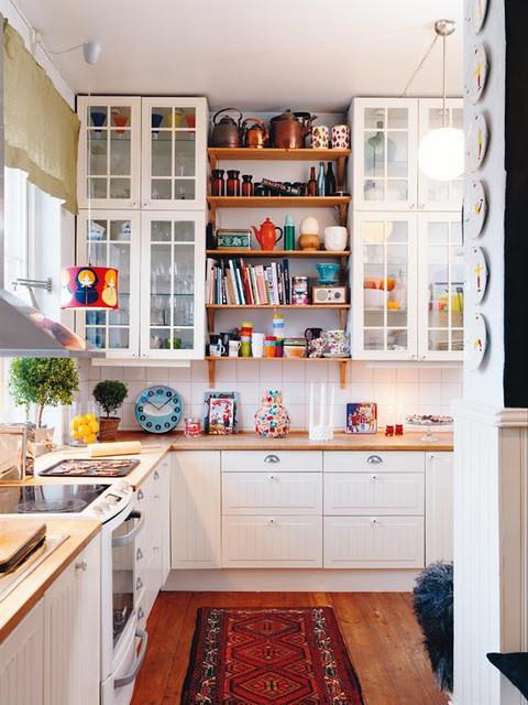 各种柜子都是收纳的法宝,艺术感小厨房.