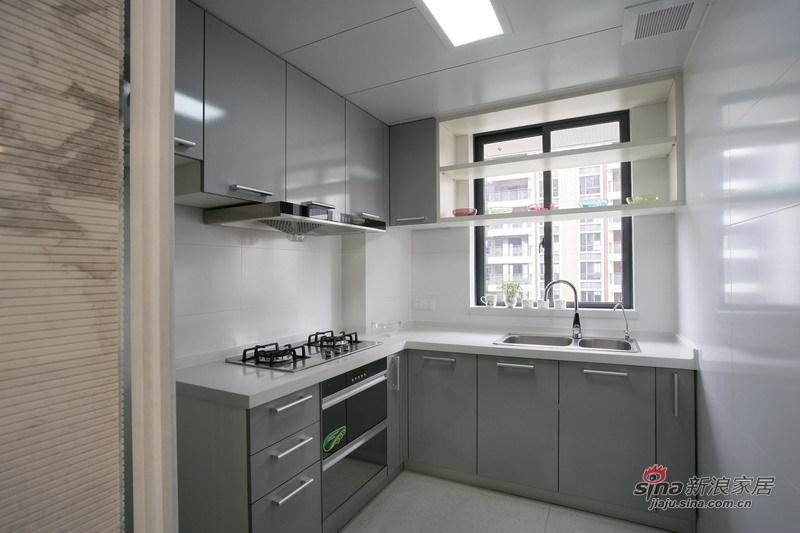 简约 一居 厨房图片来自用户2738813661在现代简约150㎡尽显和和美美11的分享