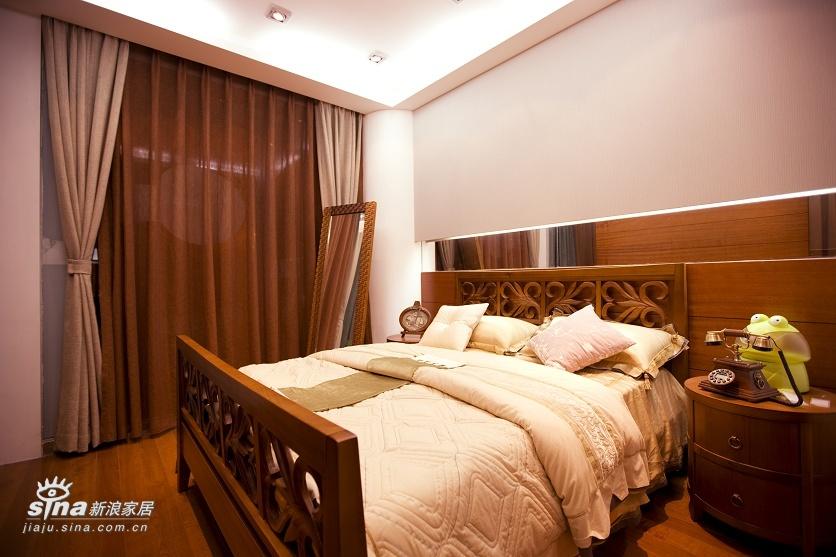 简约 一居 卧室图片来自用户2556216825在实创装饰金汉绿港户型设计64的分享