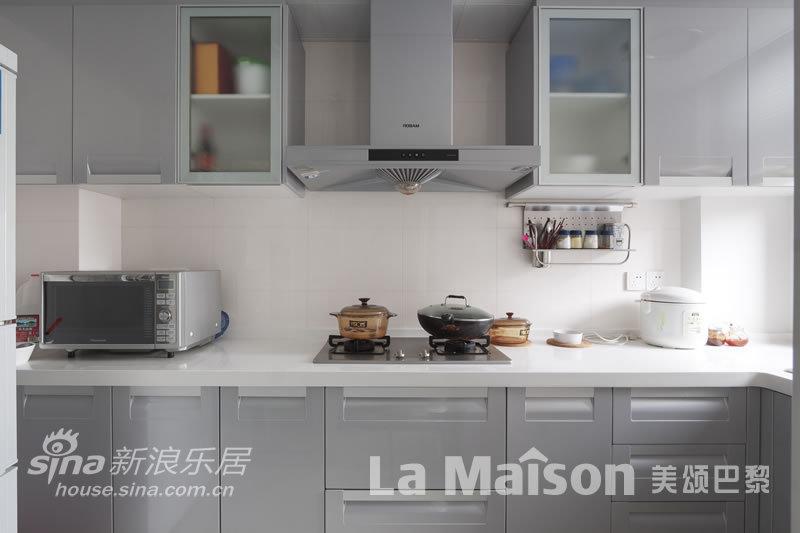 简约 二居 厨房图片来自用户2737759857在美颂巴黎现代简约87的分享
