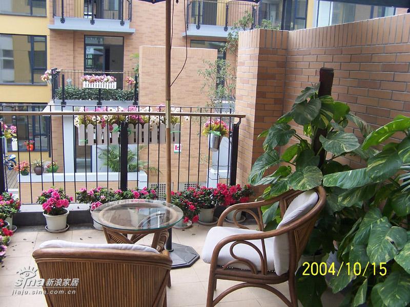 欧式 三居 阳台图片来自用户2557013183在万科城花英式田园风格样板房15的分享