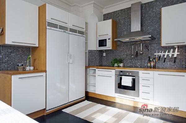 北欧 三居 厨房图片来自用户1903515612在90平春色撩人北欧美家44的分享