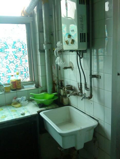 简约 一居 厨房图片来自用户2557979841在巧装老房 焕然一新72的分享