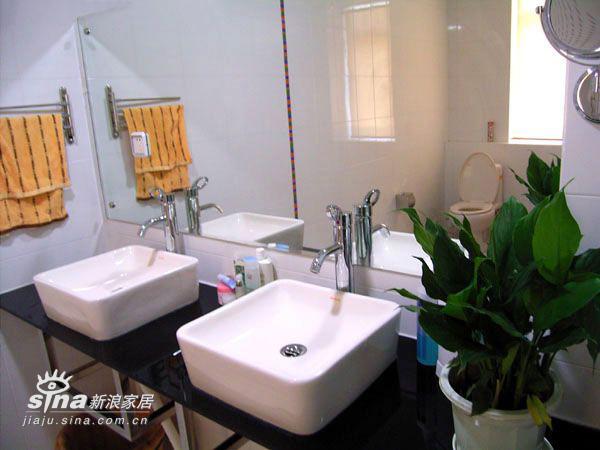 简约 四居 卫生间图片来自用户2737782783在李静的现代简约作品17的分享