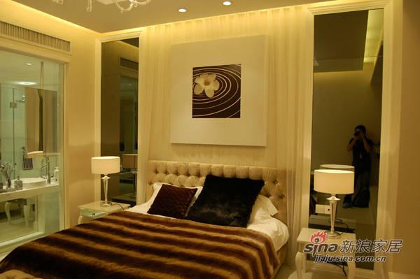 欧式 三居 卧室图片来自用户2746953981在4.6万装修136平现代欧式家30的分享