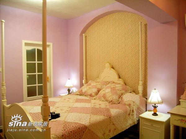 简约 二居 卧室图片来自用户2739153147在90平方两房 12万装精致芭比小筑(4)48的分享