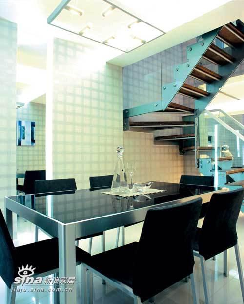 欧式 别墅 餐厅图片来自用户2772873991在业之峰装饰润泽庄园别墅65的分享