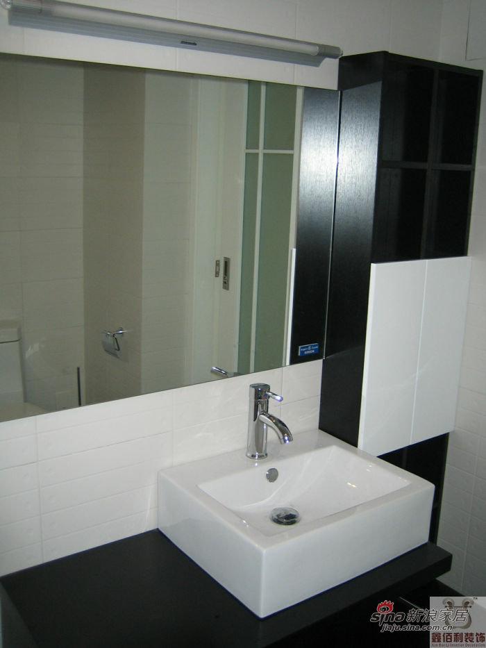 简约 三居 卫生间图片来自用户2557010253在4万装124平炫彩时尚三居室10的分享