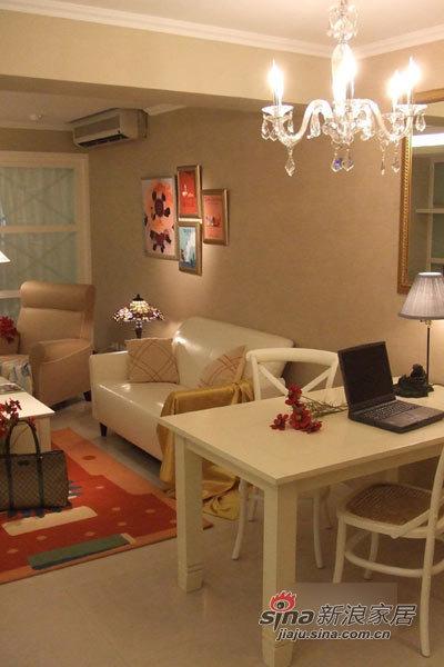 简约 二居 客厅图片来自用户2738813661在小资女砸钱打造85平甜蜜美家61的分享