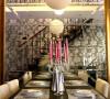 餐桌及吊灯