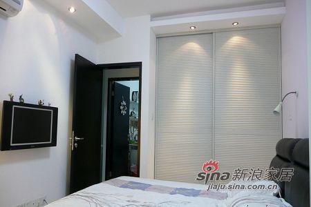 简约 二居 卧室图片来自用户2738820801在7万精巧设计100平跃层2居13的分享