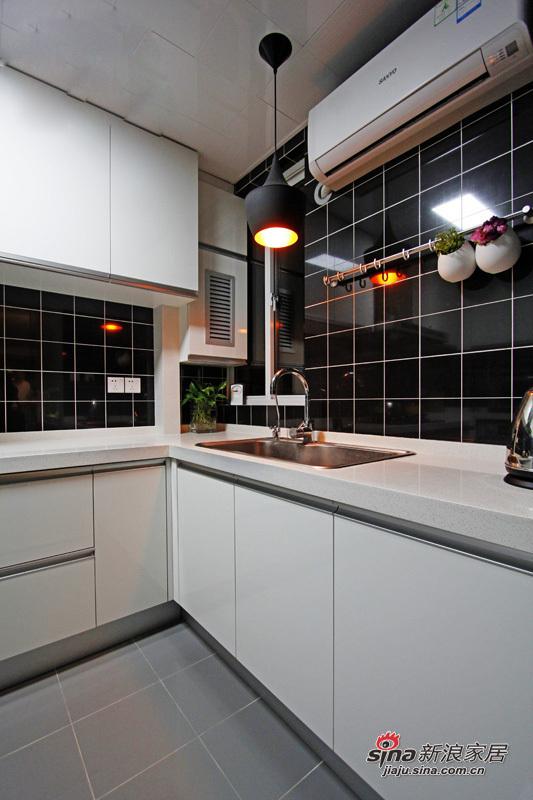 简约 三居 厨房图片来自用户2556216825在6.4万打造96平现代时尚简约靓家77的分享