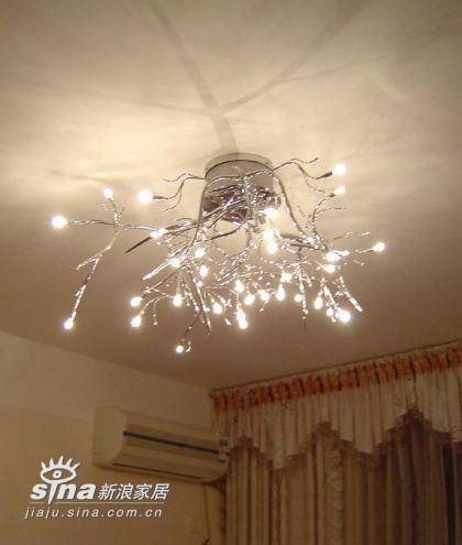 卧室现代灯