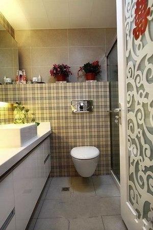 简约 二居 卫生间图片来自用户2557010253在为80后打造98平米2居室幸福婚房94的分享
