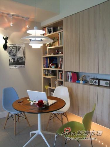 简约 一居 餐厅图片来自用户2737786973在单身工作狂的小居11的分享