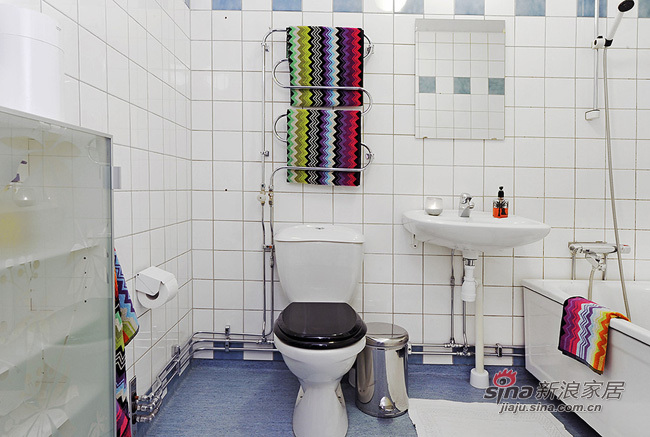 北欧 三居 卫生间图片来自用户1903515612在90平春色撩人北欧美家44的分享