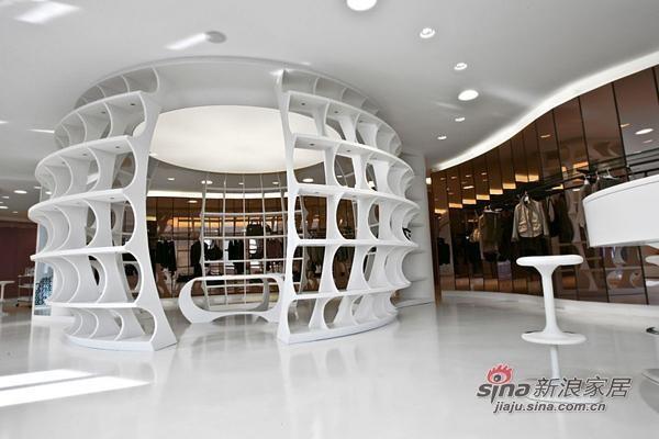 米兰ALV时装店室内设计