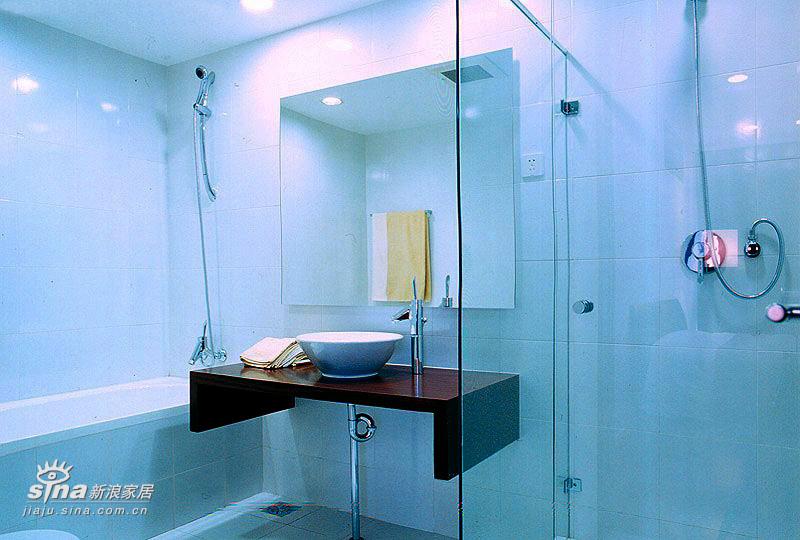 简约 四居 卫生间图片来自用户2737950087在SOHO一族的简约之家33的分享