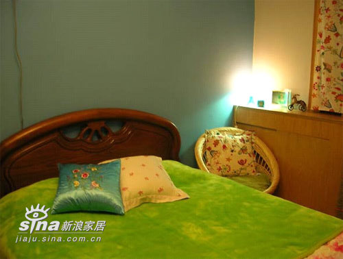 简约 二居 卧室图片来自用户2556216825在扎眼的80后粉嫩小家94的分享